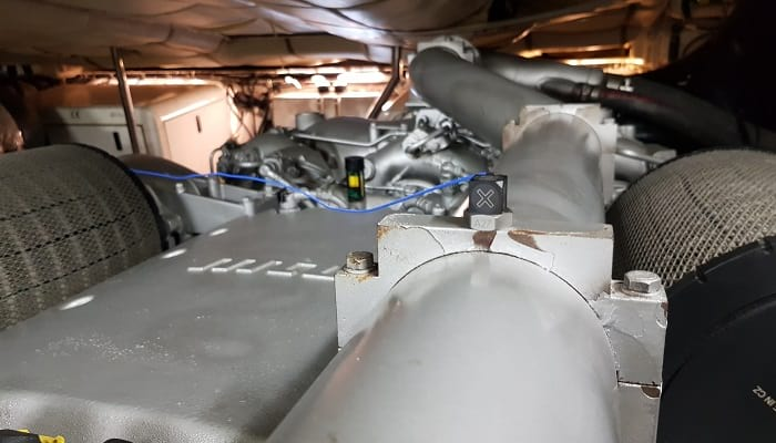 Vibration accelerometer yacht